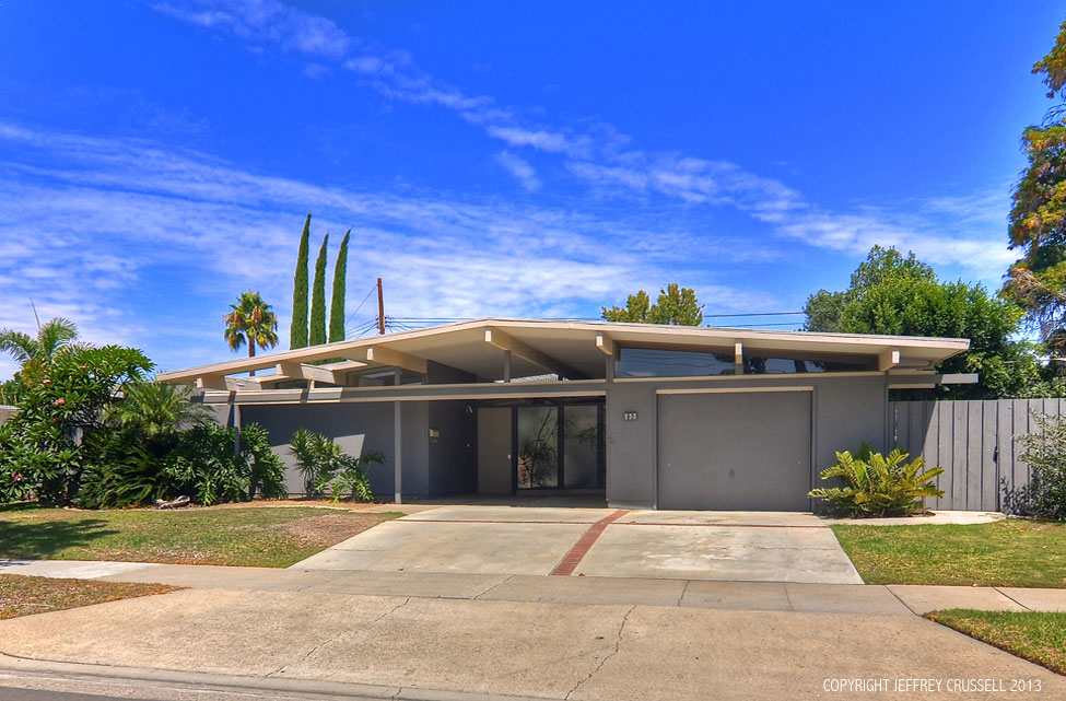 Denise Hamilton Will Host Eichler Session