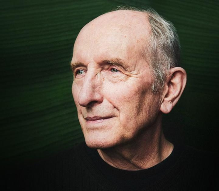 "American Energy Society selects Vaclav Smil as ""2019 Energy Writer of the Year"""
